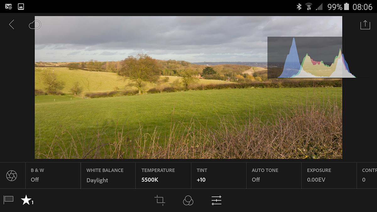 Tap with 2 fingers scrolls through exif info and histogram